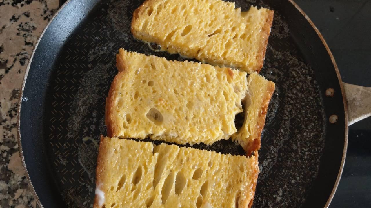 yumurtali-ekmek-kizartmasi-tarif-3.jpg