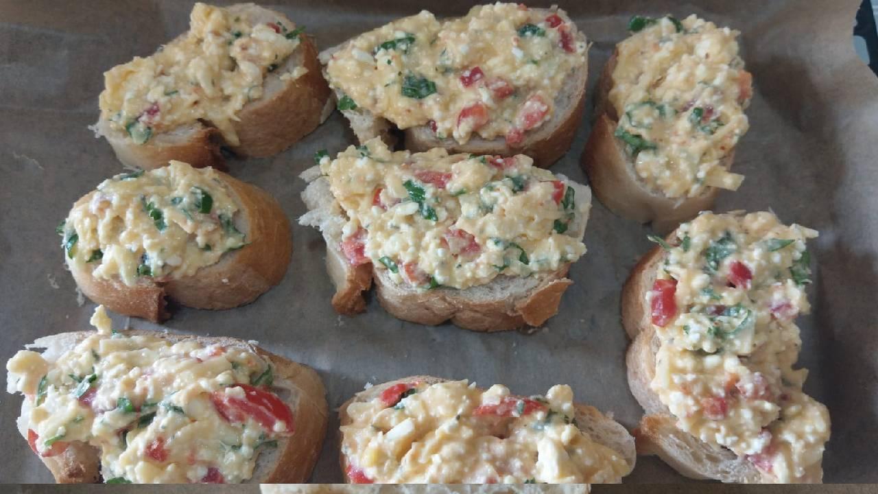 kahvaltilik-firinda-peynirli-ekmekler-detay-3.jpg