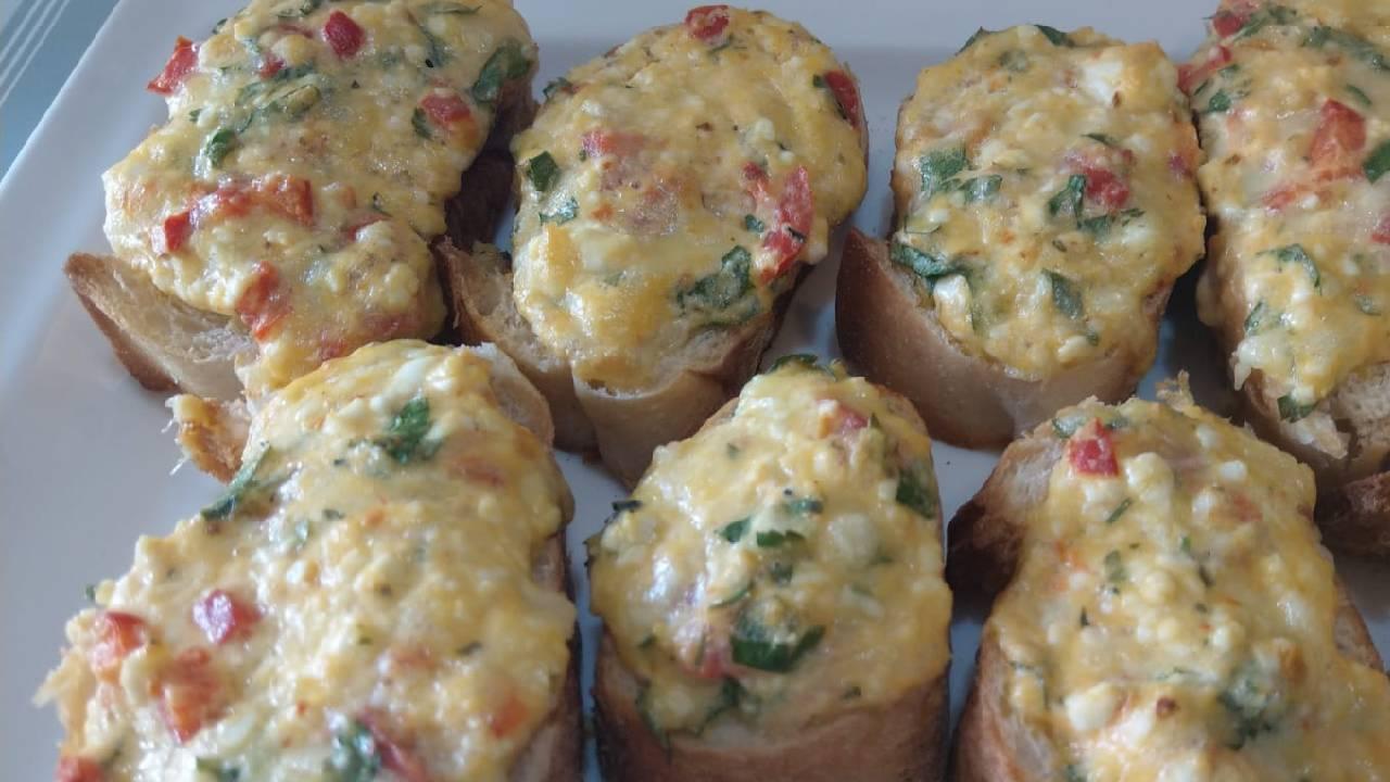 kahvaltilik-firinda-peynirli-ekmekler-detay-4.jpg