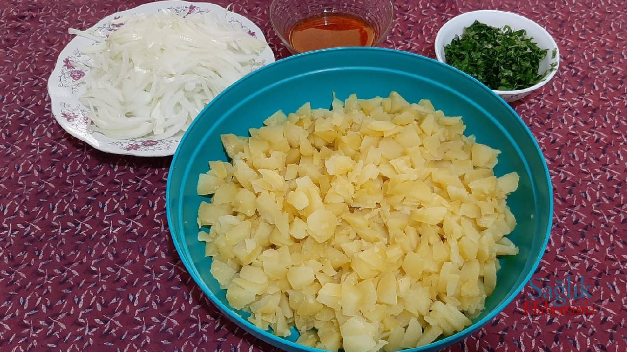 anne-usulu-patates-salatasi-detay-4.jpg